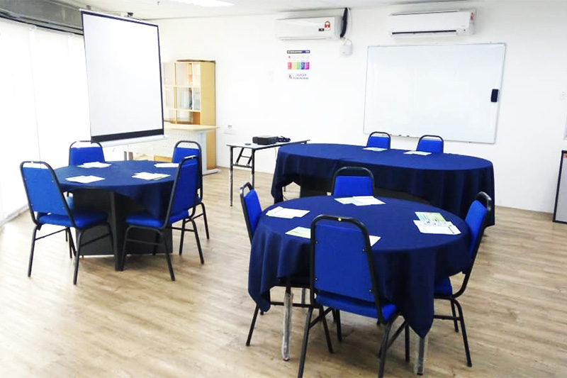 penang round tables with chairs training room rental